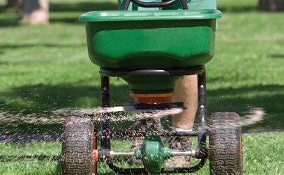 Contrôle de l'acidité du sol d'une pelouse